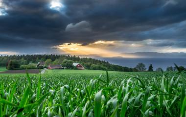 Kudos media foto Ramberg Sky storm lys